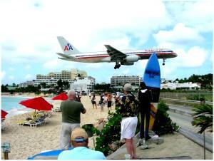 Maho_Beach,_near_Princess_Juliana_Airport,_Caribbean_island_of_Saint_Martin-8Feb2008_(1)
